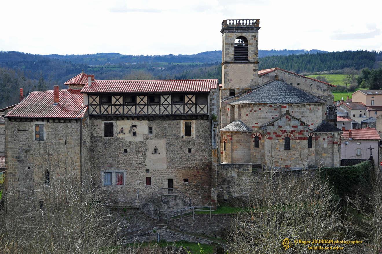 Toscane d'Auvergne ©Roger JOURDAIN - Saint-Dier d'Auvergne église